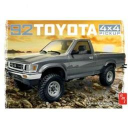 Click here to learn more about the AMT 1/20 1992 Toyota 4x4 Pick-Up.