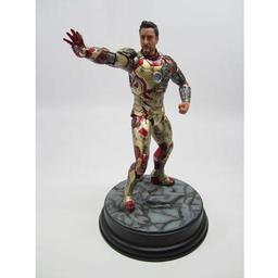 Click here to learn more about the Dragon Models, USA 1/9 Iron Man 3 - Mark XLII, Battle Damaged Version.