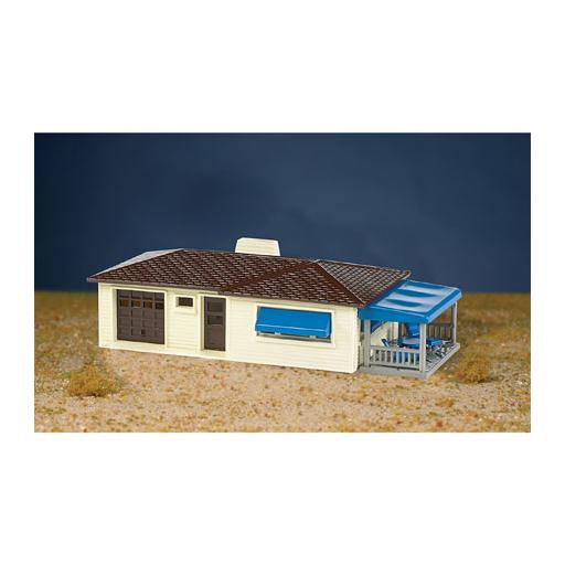 Bachmann Industries HO Snap KIT Ranch House, Cream/Brown