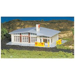 Click here to learn more about the Bachmann Industries N Built Up Gas Station.