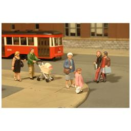 Click here to learn more about the Bachmann Industries O Strolling Figures.
