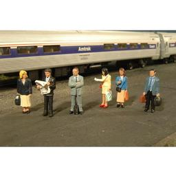 Click here to learn more about the Bachmann Industries O Standing Platform Passengers.