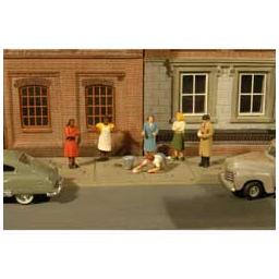 Click here to learn more about the Bachmann Industries O Sidewalk People (7).